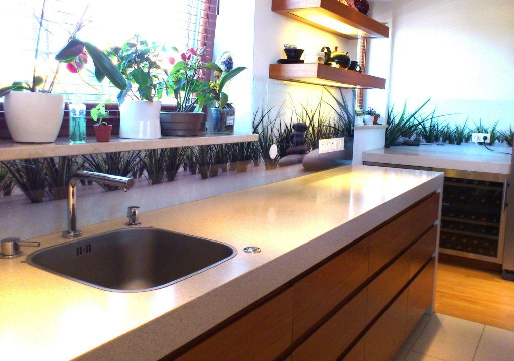 panele szklane do kuchni panele szklane do kuchni trawa z kamieniami. Black Bedroom Furniture Sets. Home Design Ideas